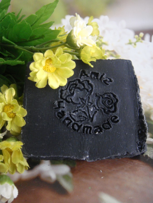 天然深層清潔去油炭皂(磨砂)|Deep-clean charcoal hand-made soap(with exfol)