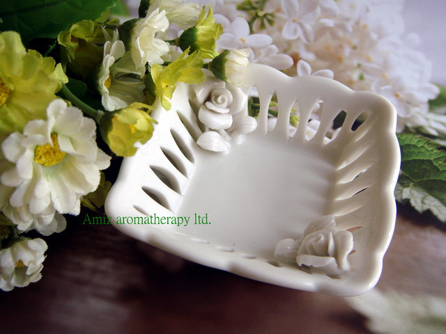 純白玫瑰皂碟|Facny ceramic soap dish with rose style